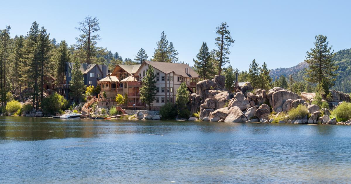 Big Bear Lake Cabins & Vacation Rentals from $66 | HomeToGo