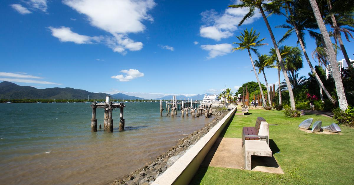 Find holiday houses & accommodation in Cairns from $39!