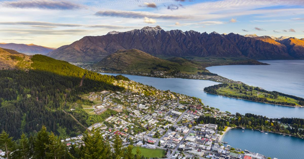 Find holiday homes & accommodation in Queenstown from $60!