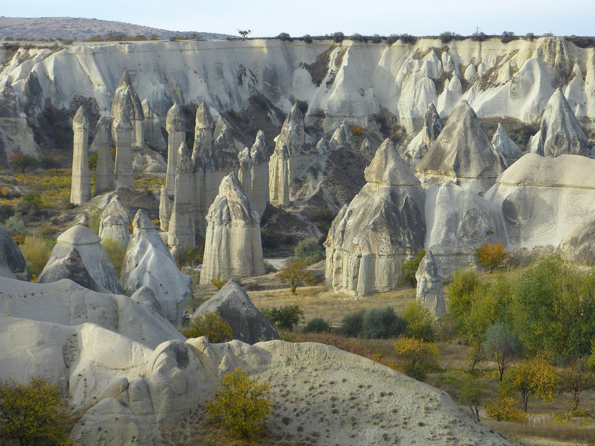 De legenden over de feeenschoorstenen in Cappadocie