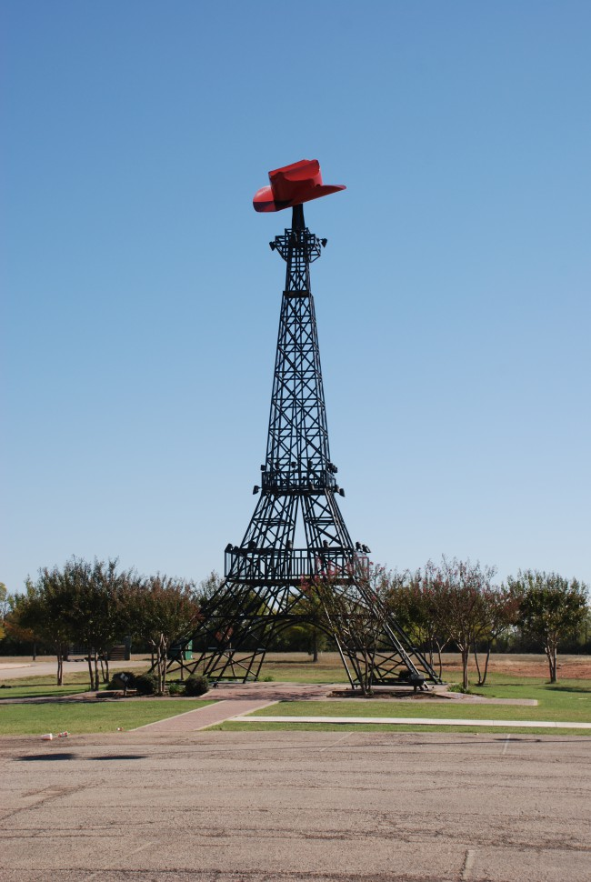 Eiffel_Tower_Replica_Paris_Texas (c) wikimedia.org_Adavyd