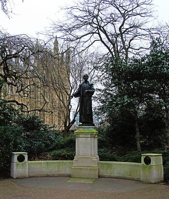Monumento a Emmeline y Christabel Pankhurst