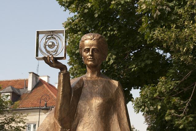 Estatua de Marie Curie en Varsovia