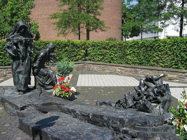 Monumento dedicado a Edith Stein en Colonia