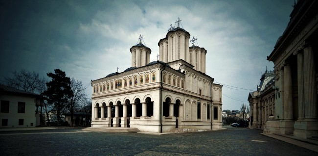 Patriarchal Cathedral, Bucharest by Fusion-of-Horizons © Flickr.com