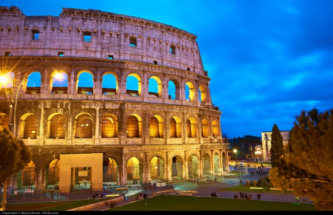 The Colosseum by Moyan Brenn © Flickr.com