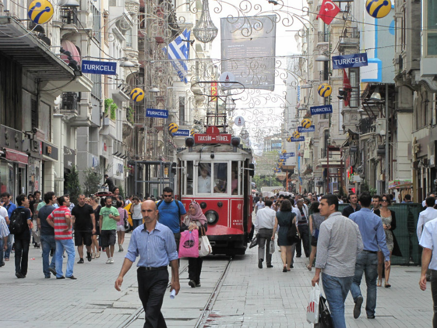 tram-on-Istiklal-boulevard