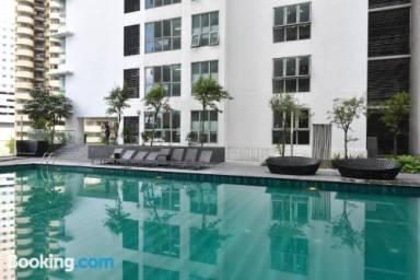 5380 Ft² Apartment