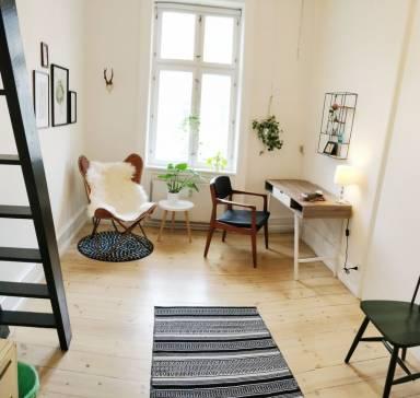 140 Ft² Apartment
