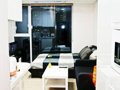 400 Ft² Apartment