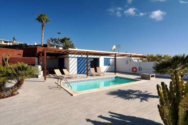 Playa Blanca Apartments - Accommodation and Villas