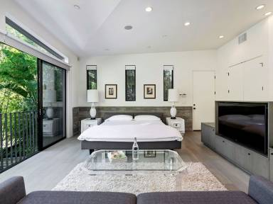 Vacation Rentals and Apartments in Hollywood Hills Bel Air