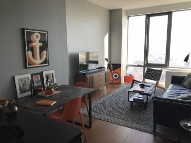 700 Ft² Apartment