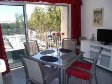 320 Ft² Apartment