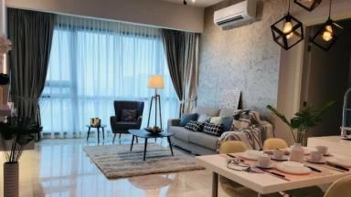 780 Ft² Apartment